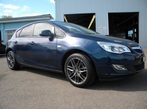 Opel Astra mit MSW 24